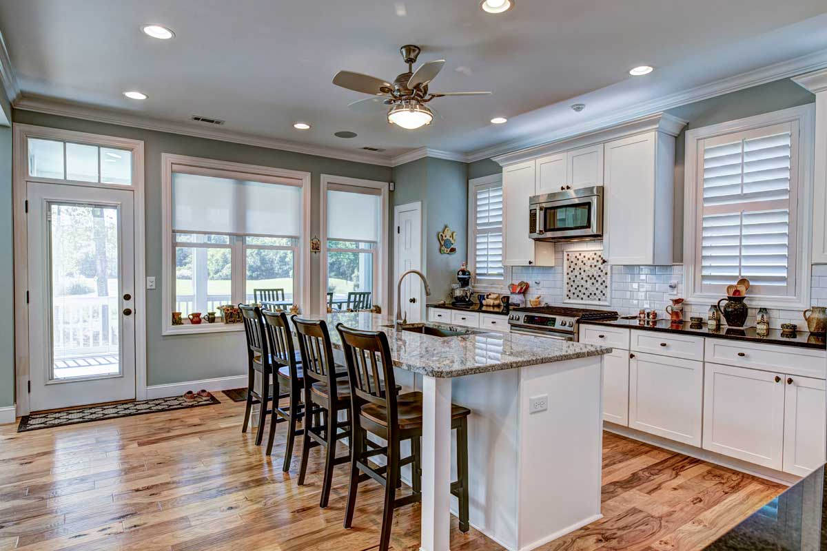 Beautiful Kitchen Interior With White Cabinets Dla5usy